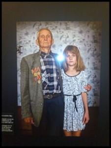 Der Veteran und die Enkeltochter